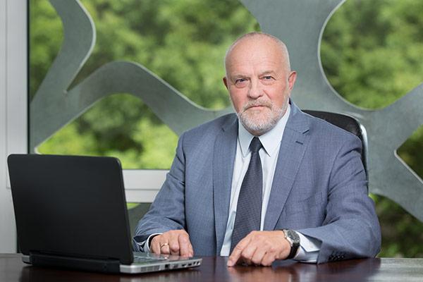 Dziekan WM dr hab. inż. Roman Kaczyński