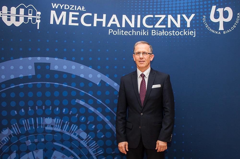 dr hab. Zbigniew Oksiuta, prof. PB